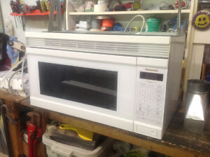 Over-The-Range Panasonic Microwave - Micro-ondes Four-Hotte Pana