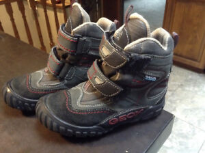 Brand new size 9 GEOX boots