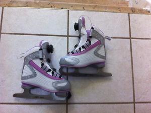 Reebok BOA Little Girls Figure Ice Skates Size 12 Y, Worn Once