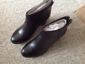 Brand New Clarks Enfield Tess Leather Ankel Boots