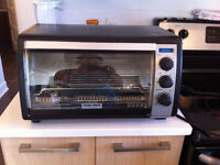 Black & Decker little oven in excellent condition