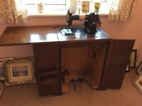 Vintage Wilcox & Gibbs working sewing machine in cabinet 1950,s