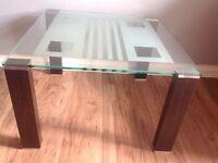 Glass corner/coffee table