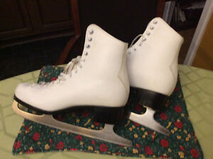 Ladies CCM Leather Skates size 9 - like new condition