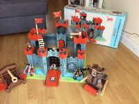 Le Toy Van wooden castle and accessories