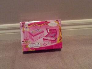 Barbie Musical Jewlery Box