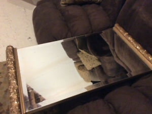 Mirrors, wall pictures, lamps, cushions