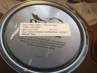 Dulux Trade Paint 2.5 litres Vinyl Matt emulsion Vanilla Mist 1