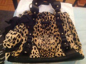New never been used Juicy Couture Purse