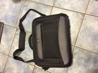 Lap top carrying case