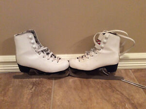 Very clean ice skates size 11 girls