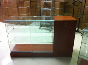 GLASS DISPLAY, SHOWCASES, MANNEQUINS, COUNTER