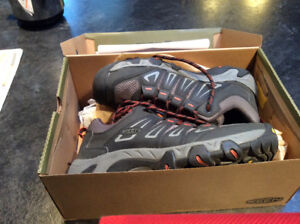 Keen hiking shoes, new, men's size 10