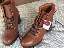 Primark size 5 tan boots. New with tags