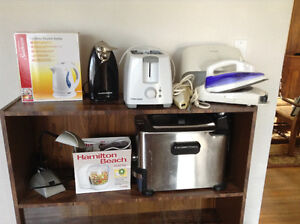 7 small appliances and a desk light