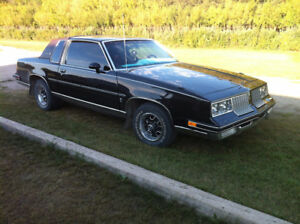 1986 Oldsmobile Cutlass Coupe (2 door)