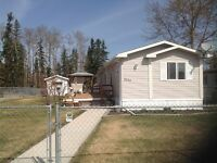 Living By The Lake In Wabamun