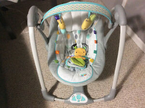 SMALL BABY SWING