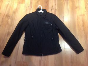 Manteau Harley Davidson pour femme.