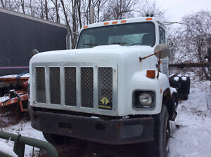 1993 International S2674 cab & chassis