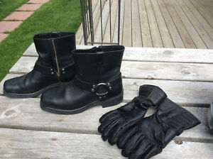 Motorcycle Boots & Gloves for sale .  Worn 6 Times