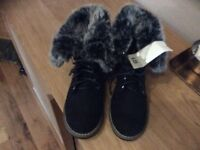 Ladies Winter Boots. Size 4