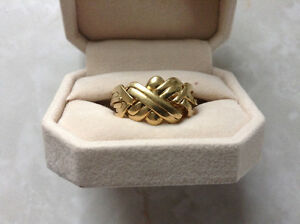 Men's 18k 6 band puzzle ring.