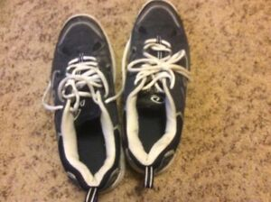 Reduced - Dexter Bowling Shoes - Men's Size 9.5 - Good condition