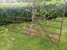 8ft by 4ft gate