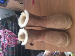 Size 8 boot never worn