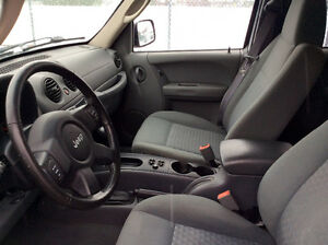 2006 JEEP LIBERTY 4X4 - TURBO DIESEL CRD - SUPER RARE! West Island Greater Montréal image 9