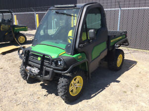 JOHN DEERE 825i CAB UNIT WITH UNDER 600 HOURS--CLEARANCE SALE
