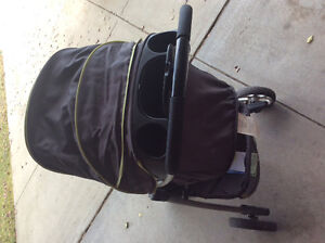 Selling saftey first stroller and car seat with base Strathcona County Edmonton Area image 2