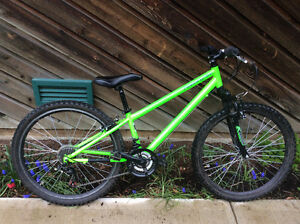 "27"" Glow in the dark MTB"