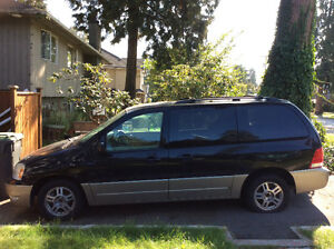 2005 Ford Freestar Gold Minivan, Van