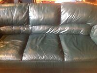 Forest Green leather couch / divan cuir vert forêt 3 places