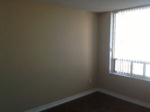 Beautiful clean 2 bedrooms plus Den in the heart of Mississauga