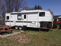 1995 27ft Terry 5th Wheel