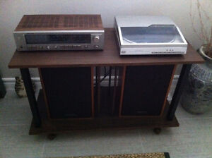 Realistic turntable, receiver,speakers and stand