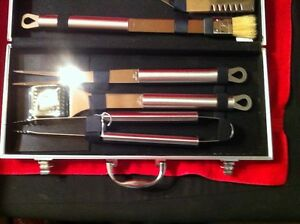 Stainless Steel BBQ Utensil Tool Set with Carrying Case. Sarnia Sarnia Area image 3
