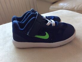 Nike Revolution 3 trainers (toddler)