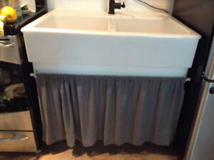 Farmers white porcelain sink from Ikea