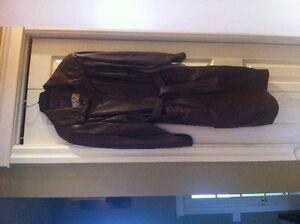Vintage 3/4 length ladies leather coat