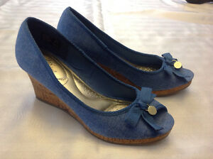 Brand new size 7 Denim wedge shoes