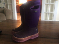 Toddler size 11 purple BOGS great condition