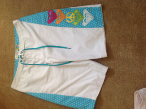 New without tags Roxy board shorts size 3
