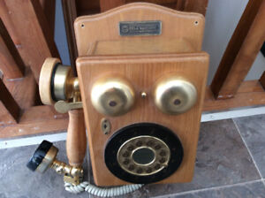 Phone antique look