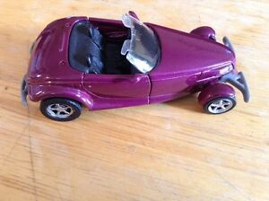 MAISTO. PLYMOUTH PROWLER 1997. MADE IN CHINA. SCALE 1/38