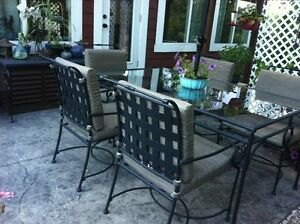 Patio Table that seats 6