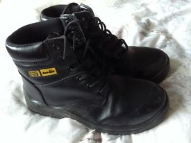 Black composite safety boots size 6/39